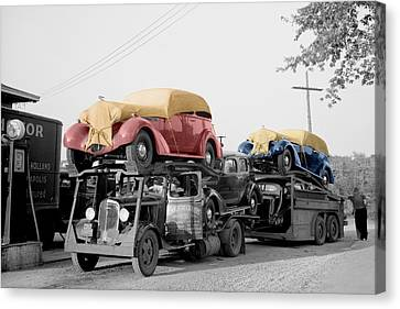 Vintage Car Carrier Canvas Print by Andrew Fare