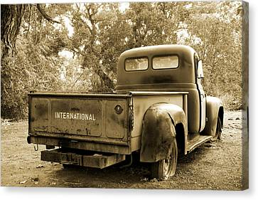 Canvas Print featuring the photograph Vintage International by Steven Bateson
