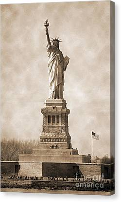 Vintage Statue Of Liberty And Flag Canvas Print by RicardMN Photography