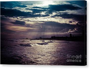 Vintage Sunset Canvas Print by Will Cardoso