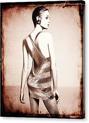 Vintage Twiggy Canvas Print by Sue Rosen