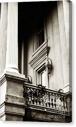 Vintage View In Charleston Canvas Print by John Rizzuto