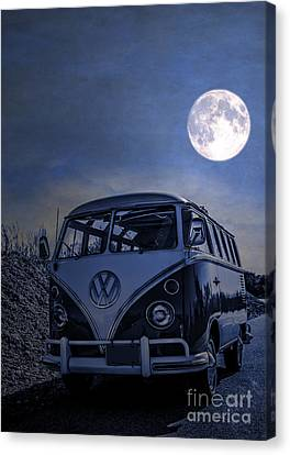 Vintage Vw Bus Parked At The Beach Under The Moonlight Canvas Print by Edward Fielding