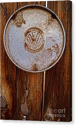 Vintage Vw Hubcap Canvas Print by Kerri Mortenson