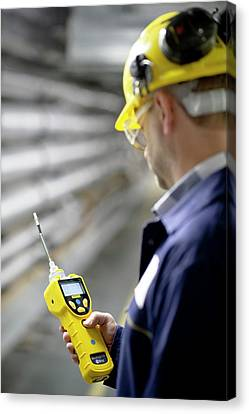 Volatile Organic Compounds Monitoring Canvas Print by Crown Copyright/health & Safety Laboratory Science Photo Library