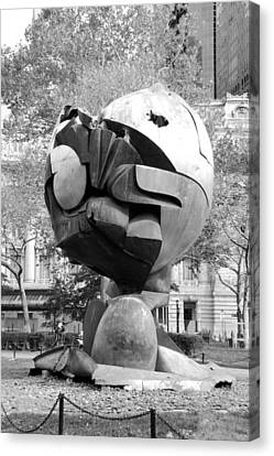 W T C Fountain Sphere In Black And White Canvas Print by Rob Hans