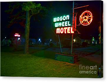 Canvas Print featuring the photograph Wagon Wheel Motel by Utopia Concepts