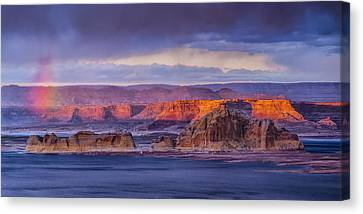 Wahweap Sunset Canvas Print by Rob Travis