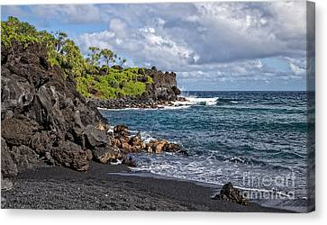 Parc Canvas Print - Waianapanapa State Park's Black Sand Beach Maui Hawaii by Edward Fielding