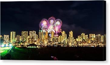 Waikiki Fireworks Celebration 4 Canvas Print