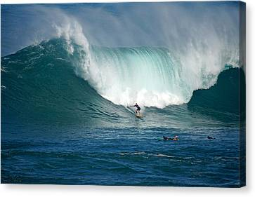 Waimea Bay Monster Canvas Print by Kevin Smith