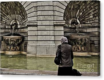 Waiting... Wishing... Canvas Print by Will Cardoso