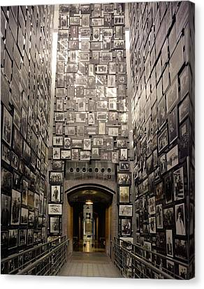 Wall Of Remembrance At The U.s Canvas Print by Everett