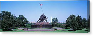 War Memorial With Washington Monument Canvas Print by Panoramic Images
