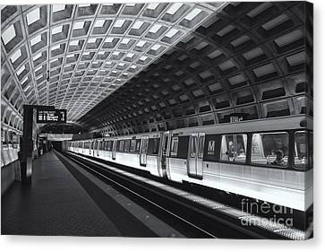 Washington Dc Metro Station Iv Canvas Print by Clarence Holmes