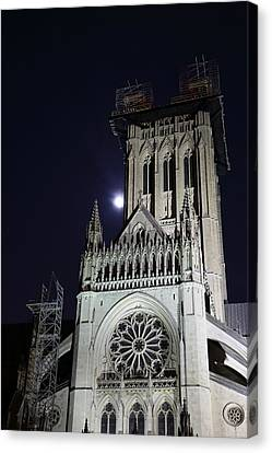 Washington National Cathedral - Washington Dc - 0113113 Canvas Print by DC Photographer