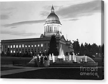 Canvas Print featuring the photograph Washington State Capitol And Tivoli Fountain At Dusk 1950 by Merle Junk