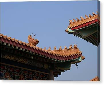 Wat Borom Roof Sculpure Canvas Print