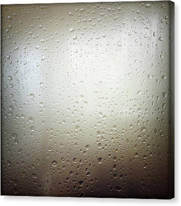 Water Drops Canvas Print by Les Cunliffe