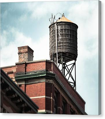 Water Tower In New York City - New York Water Tower 13 Canvas Print by Gary Heller