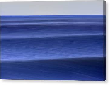 Waves Approaching  C6j8218 Canvas Print by David Orias