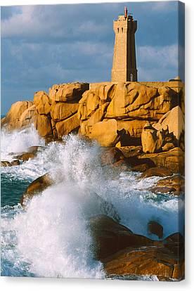 Waves Crashing At Ploumanach Canvas Print