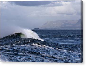 Waves In Easkey 2 Canvas Print by Tony Reddington