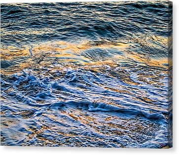 Waves Of Pacific Ocean Canvas Print by SM Shahrokni