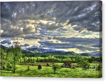 Wears Valley Barn Great Smokey Mountains Canvas Print by Reid Callaway