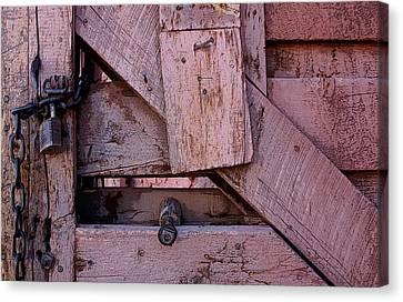 Weathered Gate With Lock And Chain Canvas Print by Joe Kozlowski