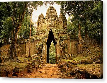 West Gate To Angkor Thom Canvas Print
