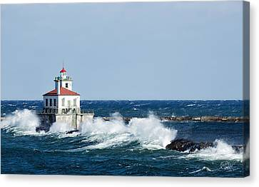West Pierhead Lighthouse Canvas Print by Everet Regal