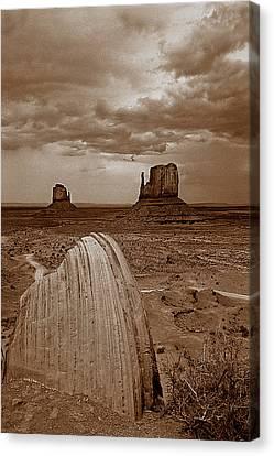 West005 Canvas Print