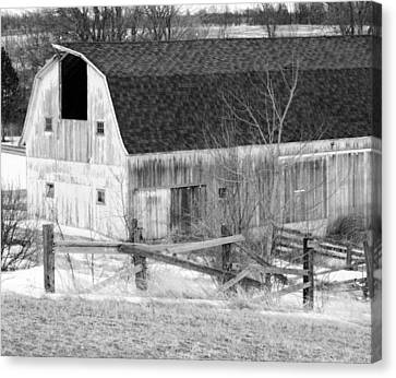 Western New York Farm 1 In Black And White Canvas Print by Tracy Winter