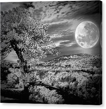 Canvas Print featuring the photograph When The Moon Comes Over Da Mountain by Robert McCubbin