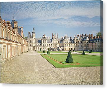 White Horse Courtyard, Palace Of Fontainebleau Photo Canvas Print