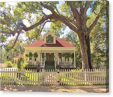 White Oak Manor Jefferson Texas Canvas Print by Donna Wilson