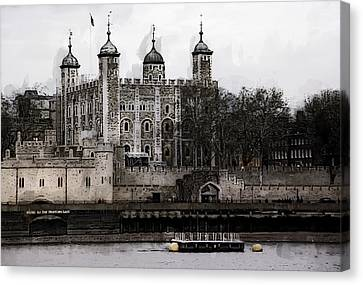 White Tower At Tower Of London Canvas Print