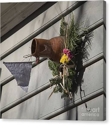 Williamsburg Bird Bottle 1 Canvas Print by Teresa Mucha