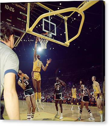Wilt Chamberlain Dunks Canvas Print by Retro Images Archive