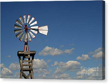 Windmill-5764b Canvas Print by Gary Gingrich Galleries