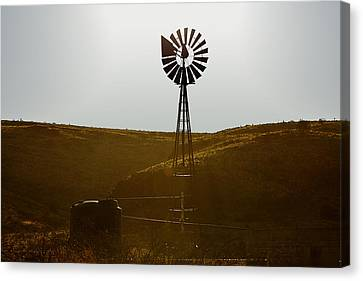 Windmill Water Pump Texas Canvas Print by Christine Till