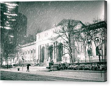 Winter Night In New York City - Snow Falls Onto 5th Avenue Canvas Print by Vivienne Gucwa