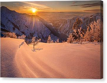 Winter Sunset Over Ogden Canvas Print by Rory Wallwork