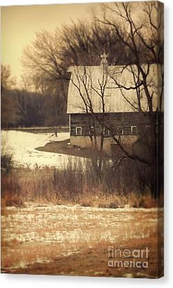 Wisconsin Barn In Winter Canvas Print by Jill Battaglia