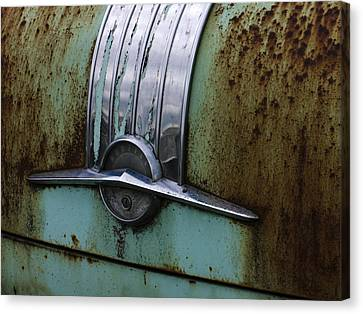 Worn Out Trunk Canvas Print by Jean Noren
