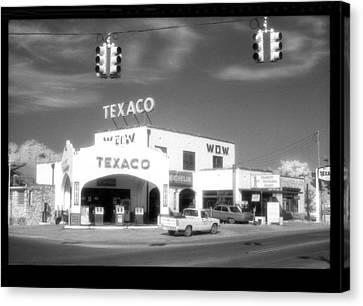 Wow Texaco Bandera 1983 Canvas Print