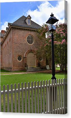 Canvas Print featuring the photograph Wren Chapel At William And Mary by Jerry Gammon