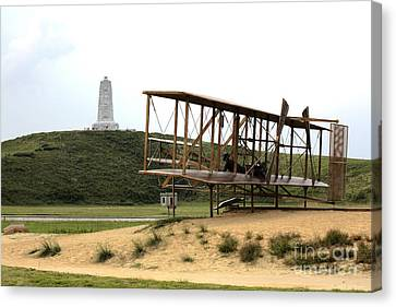 Wright Brothers Memorial At Kitty Hawk Canvas Print