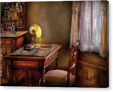 Writer - Desk Of An Inventor Canvas Print by Mike Savad